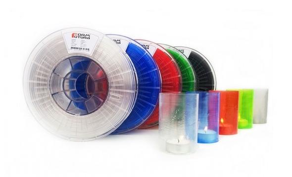 Průhledný materiál HDglass odolává vysokému zatížení, zatímco si zachovává  plastickou pružnost. Foto: FormFutura