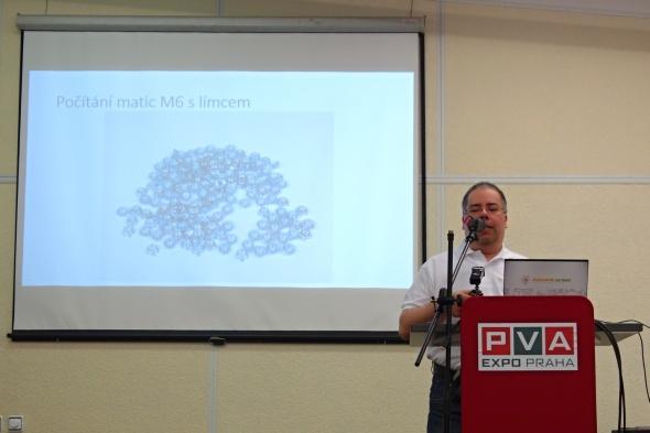Velmi praktickým využitím 3D tisku zaujal i Petr Zahradník… (foto: Tomáš Vít)
