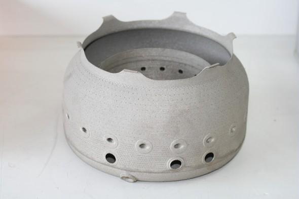 Spalovací komora vyrobená pomocí 3D tisku (zdroj: Microturbo/Safran)