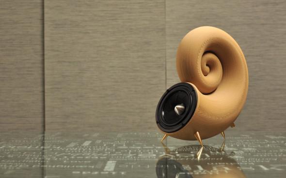 První reproduktor vytištěný ze dřeva, resp. z materiálu Timberfill, je dílem týmu Akemake.com