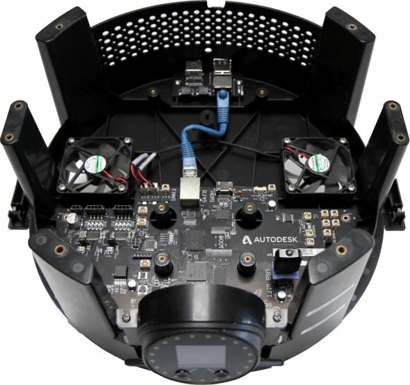 Pečlivě zdokumentována je také základová deska 3D tiskárny Ember vč. komunikačních rozhraní (zdroj: Autodesk)