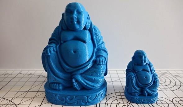 Na soškách Buddhy je vidět, jak si DeeGreen poradí s jednolitostí kladení vrstev (model: Buddha Statue od Wilson; plná velikost a zmenšenina)
