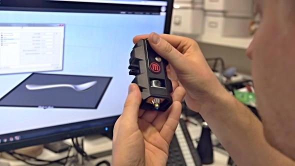 Nový Smart Extruder+ má uživatelům přinést to nejdůležitější – přesný a spolehlivý tisk (zdroj: MakerBot)
