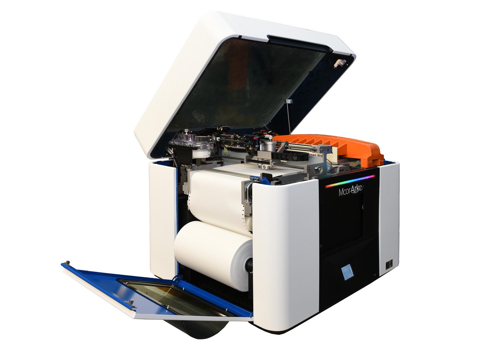 Plnobarevná stolní 3D tiskárna Mcor Arke, oceněná na CES 2016, má českého prodejce