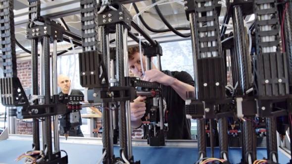 Project Escher přináší souběžný 3D tisk technologií FDM s více nezávislými tiskovými hlavami (foto: Autodesk)