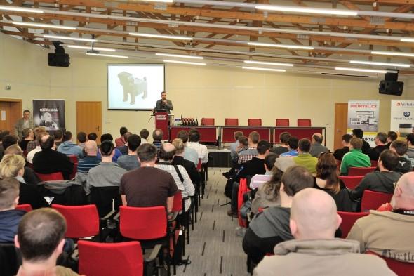 K příjemné atmosféře konference 3Dexpo tradičně přispívají zajímaví řečníci, aktuální témata i nadšení posluchači (na snímku hovoří Jan Homola)