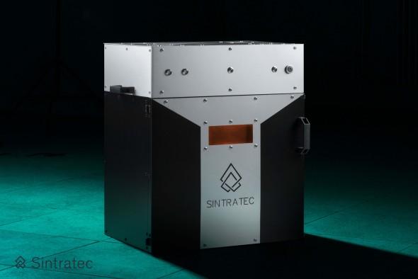 Aktuálně prodávaná stavebnice Sintratec Kit umožňuje vyzkoušet si laserové spékání laserem při výrobě prototypů i menším týmům (foto: Sintratec)