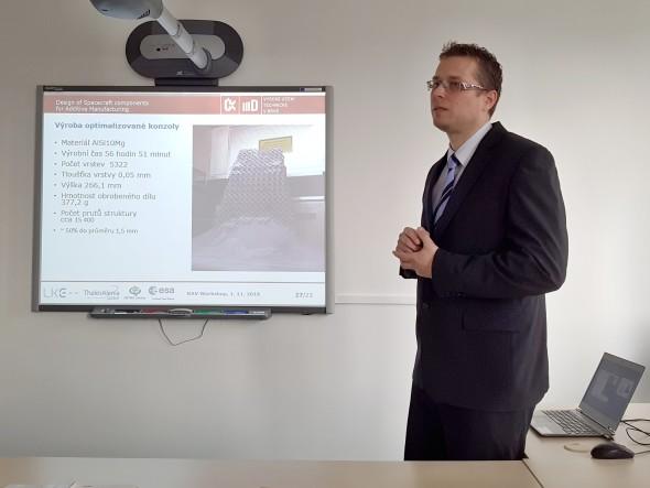 Vysokou laťku nasadil hned první přednáškou David Paloušek z VUT Brno, který se pochlubil výzkumem NETME Centre v oblasti hliníkových slitin