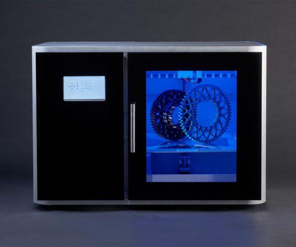 Design profesionální 3D tiskárny Leapfrog Xeed promlouvá řečí oceli, hliníku a skla