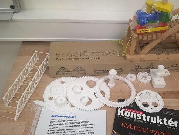 Ukázka tisku hraček a součástek pro nejmenší (foto: Česká manažerská asociace)