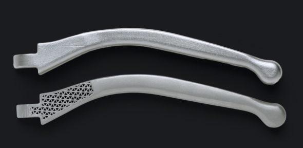 Ukázkový výtisk z kovu technologií ADAM (foto: Markforged)