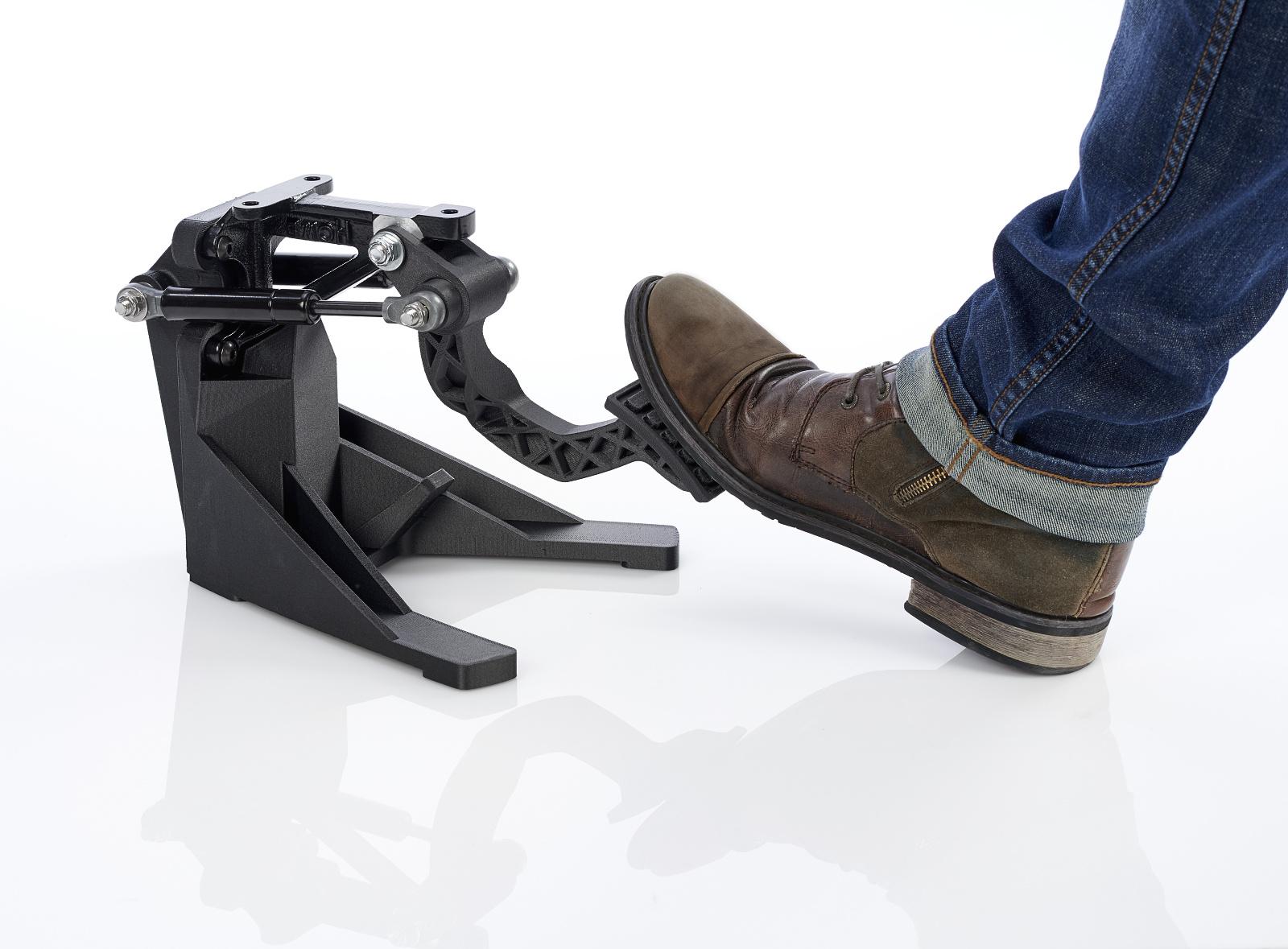 Stratasys se pochlubil odolnými materiály pro 3D tiskárny s technologiemi FDM a PolyJet