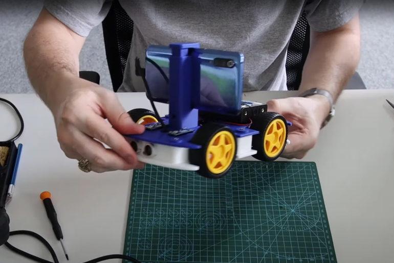Vytiskněte si autonomního mobilního robota od Intelu