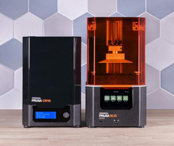 Prusa Research uvádí na trh údajně nejrychlejší stolní SLA 3D tiskárnu Original Prusa SL1S SPEED